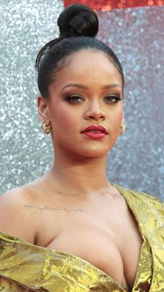 Rihanna at the Ocean's 8 Premiere in London❤️ #Rihanna ❤️