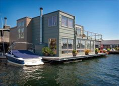 Seattle Houseboat. I Want To Live Here