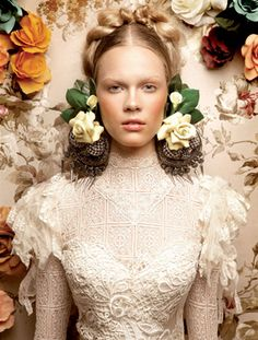 ❀ Flower Maiden Fantasy ❀ beautiful photography of women and flowers -  YolanCris + Lucíasecasa. Romanticism -Floral editorial