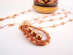 Colar em COBRE Metal & Pearls nas cores ouro by AlecrimDesign