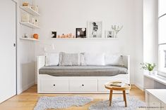 Awesome 50+ Best Ikea Hemnes Daybed https://decoratio.co/2017/04/50-best-ikea-hemnes-daybed/ Its wooden frame offers support to anybody. Open because many windows as possible. Second, we must look at function. Multi purpose of the bed is remarkable.