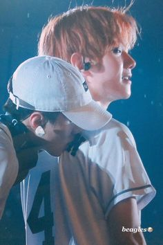 Find images and videos about exo, baekhyun and sehun on We Heart It - the app to get lost in what you love. Suho Exo, Baekhyun Fanart, Exo Ot12, Kpop Exo, Chanbaek, Baekyeol, Got7, Exo Couple, Xiuchen