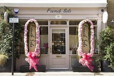 A Flowering Sloane Square for Chelsea Flower Show Store Front Windows, Shoe Advertising, Wedding Sweets, Shop Fronts, Chelsea Flower Show, Shop Around, Luxury Homes Interior, Pretty In Pink, Window Shopping