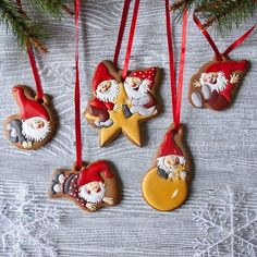 204 отметок «Нравится», 30 комментариев — Анастасия - Пряники На Заказ (@peony_cookies) в Instagram: «За окном дождь, а у нас сказка дома. Озорные гномы готовы поселиться на ёлке. Gnome ornament…»