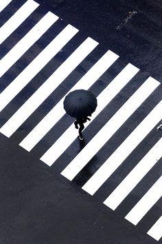 Creative Rain Series by Yoshinori Mizutani / inspiration, photography, black and white, design, art Minimal Photography, Urban Photography, Abstract Photography, Artistic Photography, Creative Photography, Street Photography, Photography Ideas, Pattern Photography, Photography Marketing