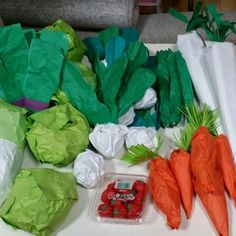 Preschool Crafts, Crafts For Kids, Arts And Crafts, Market Stands, Pretend Play, Paper Mache, Activities For Kids, Food, Cushions