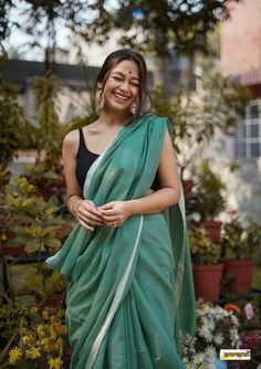 Blouse Styles, Cotton Saree, Office Wear, Saree Blouse, Evergreen, Sarees, Woman, Check, How To Wear