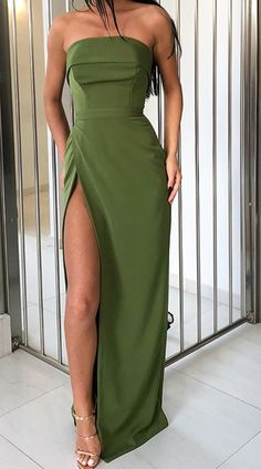 Sheath/Column Prom Dress Chic Strapless Simple Formal Evening Dress wi – SQOSA The Effective Pictures We Offer You About Evening Dress designer A quality picture can tell you many things. Gala Dresses, Event Dresses, Formal Evening Dresses, Evening Gowns, Formal Prom, Elegant Dresses For Women, Pretty Dresses, Beautiful Dresses, Spring Outfit Women