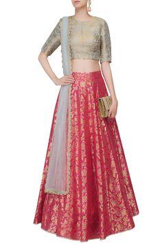 hochzeitsgast rose Pink and mint green brocade lehenga, pink Banarasi lengha choli, indian wedding outfit, indian bridal wear Brocade Lehenga, Lengha Choli, Lehnga Dress, Indian Lehenga, Red Lehenga, Bridal Lehenga, Anarkali, Sarees, Banarasi Lehenga