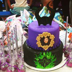 Disney Descendants Cake with Mal! Facebook.com/SugarOnTopCakes Sugarontopcakesandsweets.com