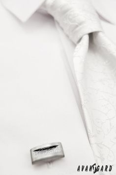 Pánská svatební košile se zdobenou svatební regatou a manžetovými knoflíčky  AVANTGARD   ///   White wedding mens shirt, white wedding tie, cufflinks AVANTGARD. Tie Clip, Cufflinks, Accessories, Wedding Cufflinks, Tie Pin, Jewelry Accessories