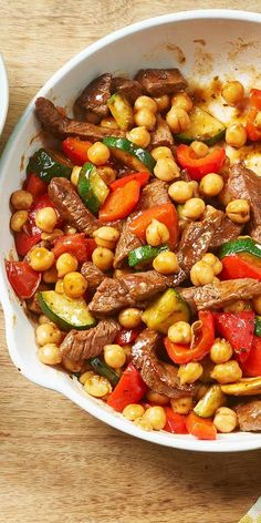 MAGGI Rezeptidee fuer Rindfleisch-Pfanne mit Kichererbsen MAGGI recipe idea for beef pan with chickpeas Easy Soup Recipes, Lunch Recipes, Meat Recipes, Chicken Recipes, Dinner Recipes, Cooking Recipes, Healthy Recipes, Recipe Chicken, Asian Recipes