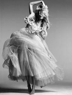 Stylish black and white fashion photography - model pose; photoshoot ideas // editorial for Vogue China
