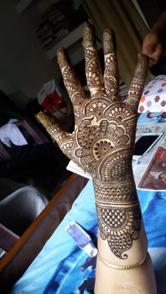 Mehndi design is one of the most authentic arts for girls. The ladies who want to decorate their hands with the best mehndi designs.Gorgeous And Best Mehndi Designs Collection For Girls Images 2019 New Bridal Mehndi Designs, Full Hand Mehndi Designs, Henna Art Designs, Mehndi Designs 2018, Mehndi Designs For Beginners, Stylish Mehndi Designs, Mehndi Design Photos, Mehndi Designs For Fingers, Mehndi Images