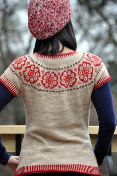 fair isle yoke ~ pattern 'Paper Dolls' by Kate Davies on Ravelry… Fair Isle Knitting, Hand Knitting, Tejido Fair Isle, Pulls, Knitwear, Knit Crochet, Knitting Patterns, Paper Dolls, Costume