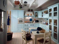 La #CucinaIsotta  nella bellissima versione color Azzurro con patinatura Bianco!!!! Questa cucina si caratterizza per un ambiente carico di accoglienti suggestioni estetiche e, al contempo, praticità funzionale. E' una cucina solida, grazie alla sua struttura in muratura e alle ante in legno massello, ma anche bella e allegra, con le sue linee retró e i tanti colori pastello tra cui scegliere.
