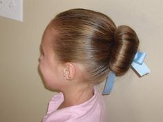 Love this little trick to make a princess bun, my little one will just love this for ballet class!