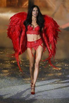 {\☪/} VS ANGEL Adriana Lima - Victoria's Secret Fashion Show 2013