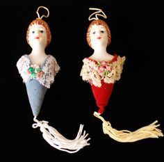 VINTAGE VICTORIAN LIKE PORCELAIN BUST DOLLS HANGING ORNAMENTS PAIR OF TWO