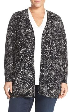 Free shipping and returns on Sejour Dot Print V-Neck Cardigan (Plus Size) at Nordstrom.com. Bursts of monochrome dots make up the sophisticated print of a button-up boyfriend cardigan in a silky cotton-blend knit.
