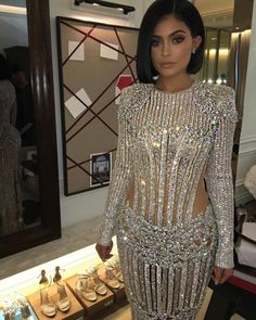With Kendall in a sculptural Atelier Versace cut-out dress, and Kim and Kylie in dazzling Balmain numbers, see what the Kardashians wore to the MET Gala Kylie Jenner Met Gala, Looks Kylie Jenner, Kylie Jenner Style, Kendall And Kylie Jenner, Le Style Du Jenner, Evening Dresses, Prom Dresses, Dress Up, Bodycon Dress