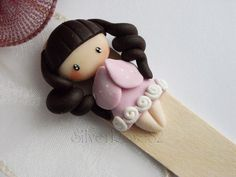 So sweet for a bookmark! Polymer Clay Cake, Polymer Clay Dolls, Polymer Clay Charms, Handmade Polymer Clay, Dyi Crafts, Clay Crafts, Easter Crafts, Paper Clay, Clay Art