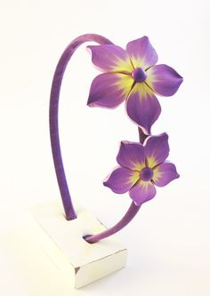 Flowers hair band in polymer clay. Hair jewelry lilac by Crazycane