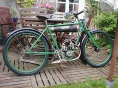 Antique Motorcycles, Cars And Motorcycles, Gas Powered Bicycle, Old Cycle, Motorised Bike, Drift Trike, Bicycle Pedals, Motorized Bicycle, Moto Bike