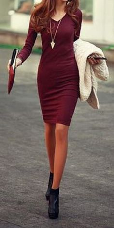 Looks I LOVE! Sexy Wine Red Solid Color Long Sleeve Simple Style V-Neck Cotton Packet Buttock Women's Dress