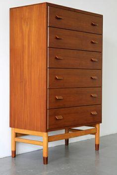 teak and oak Tallboy for FDB Møbler, Danish Furniture, Vintage Furniture, Furniture Design, Mid Century Sideboard, Mid Century Furniture, Furniture Inspiration, Design Inspiration, Wood Chest, Life Design