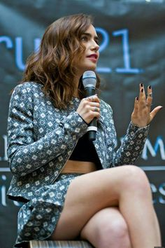 """Lily Collins in Christian Siriano at a """"The Mortal Instruments: City of Bones"""" Event Beautiful Celebrities, Beautiful Actresses, Lily Collins Style, Jamie Campbell Bower, Lily James, Women Legs, Hollywood Celebrities, Beautiful Legs, I Love Girls"""