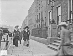 vintage everyday: Street Scenes in Ireland from between 1890-1910.St Stephen's Green