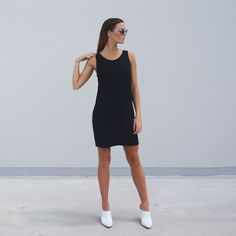 Sizes  XS (6-8) , S (10) ,M (12),L (14)  – Casual cool bamboo short dress  –Wide crew neck, sleeveless & long line fit  – Made from bamboo jersey  – Perfect for summer