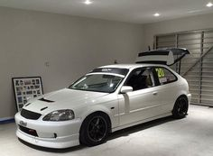 Honda Civic Coupe, Civic Jdm, Honda Civic Hatchback, Honda Crx, Honda Civic Si, Ek Hatch, Street Racing Cars, Auto Racing, Tuner Cars