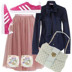 Per chi vuole sentirsi una principessa e, allo stesso tempo, non rinunciare alla modernità: gonna in tulle rosa cipria e camicia di jeans con fiocco al collo - sneakers rosa acceso e borsa matelasse azzurro polvere. Ultimo tocco, i piccoli punti luce che riprendono i colori dell'outfit.