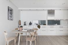 FINN – Nydelig leilighet med høye kvaliteter like ved Bryggen. Solrik balkong med flott utsikt mot Vågen, felles takterrasse og heis i bygget! Betal ned fellesgjelden via IN-ordning.