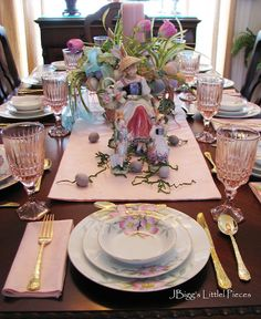 http://jbiggslittlepieces.blogspot.com/2012/03/eggs-on-top-tablescape.html