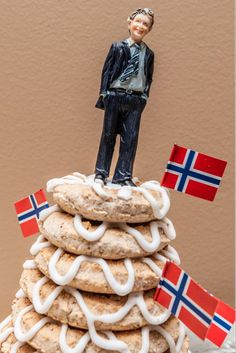There is no one typical cake served at a Norwegian wedding, but there are some that are much more common than others. Perhaps the best known is the spectacular kransekake, also commonly served at christmas time.