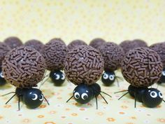 Formigas decorativas 1 x 3 cm