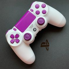 Playstation 4 pro DualShock 4 custom white controller with purple buttons Cool Ps4 Controllers, Ps4 Controller Custom, Xbox Wireless Controller, Game Controller, Control Playstation, Girl Gang Aesthetic, Gamer Setup, Mundo Dos Games, Vídeos Youtube