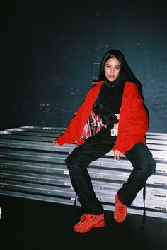 Aleali May share the Look Red coats, ideal for winter in Trendtation. Black Girl Fashion, Retro Fashion, Fashion Women, Women's Fashion, Tomboy Outfits, Cute Outfits, Fashion Labels, Street Style Women, Street Styles