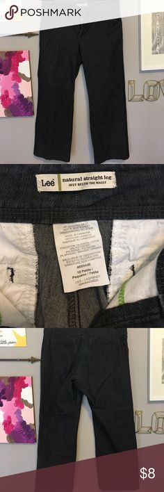 Lee Straight Leg Petite Jeans Sit just below the waist with a Straight Leg. Worn just a few times. Lee Jeans Straight Leg
