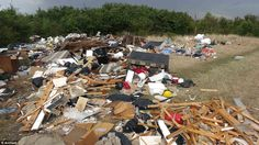 http://i.dailymail.co.uk/i/pix/2014/08/13/1407917728693_wps_6_TRAVELLERS_have_dumped_a_.jpg