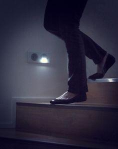 Balisage d'escalier atout sécurité pour se déplacer dans l'obscurité. #escalier #balisage #Céliane