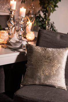 #blackdesign #textiles #pillow #silver #diningroom