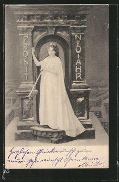 old postcard: AK Dame im Kleid bläst in die Posaune, Neujahr