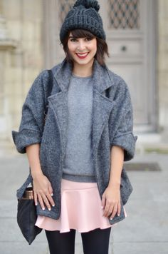 http://www.helloitsvalentine.fr/2013/11/in-land-of-grey-and-pink.html - Grey and pink outfit - Hello it's Valentine blog