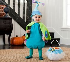 Baby Peacock Costume, OMFG How Cure is that!  @Amanda Corn