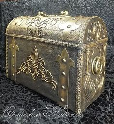 Antique Chest, Thread Art, Cardboard Crafts, Casket, Autumn Inspiration, Diy Toys, Hope Chest, Glass Jars, Are You Happy