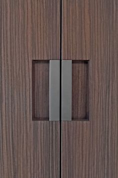 Min Line featuring the D min door pull